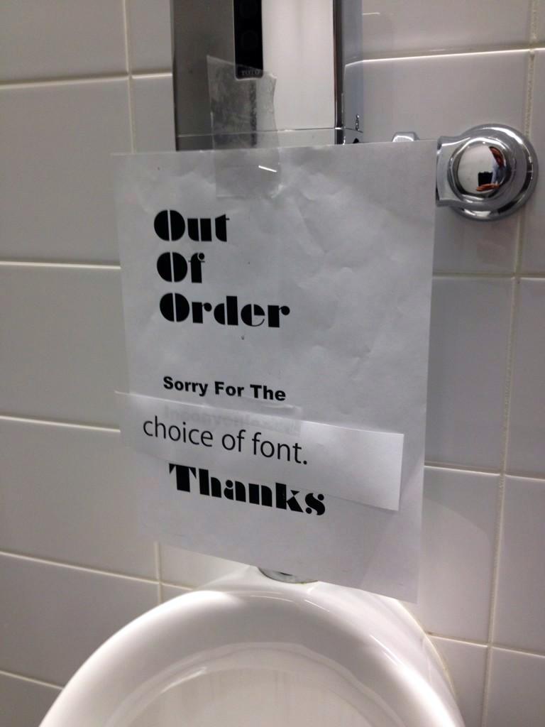 Correção em aviso de banheiro - Apple