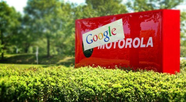 Logo da Motorola coberto pelo do Google