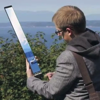 Miniatura do vídeo parodiando o iPhone 5