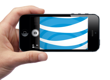 iPhone 5 com logo da AT&T dentro