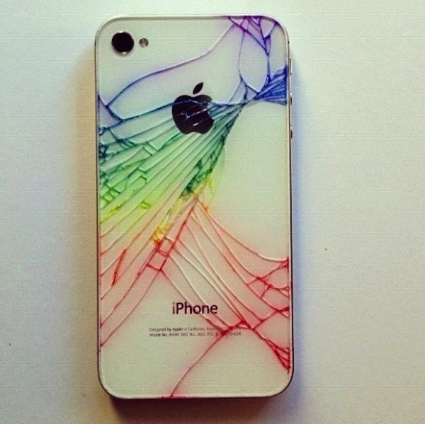 iPhone 4 quebrado colorido