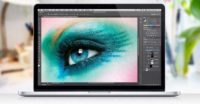 Foto de olho em MacBook Pro com tela Retina