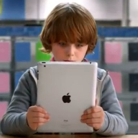 Comercial da Best Buy destacando produtos da Apple (miniatura)