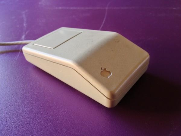 Apple Desktop Mouse