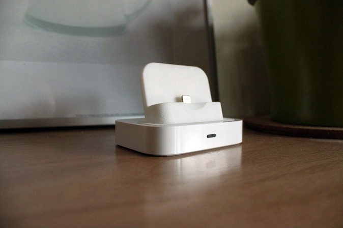 iPhone 5 Lightning Adapter for Universal Dock