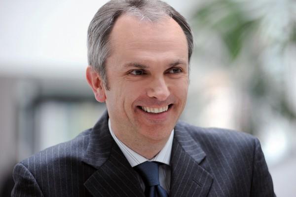 Luca Maestri, novo controlador corporativo da Apple