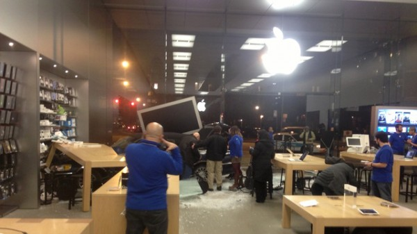 14-carro-apple-store-2