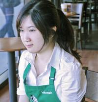 Hannah, atendente da Starbucks