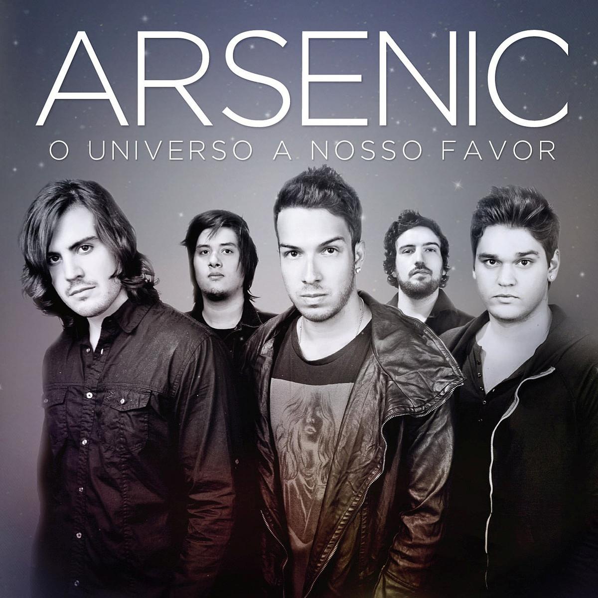 Capa do álbum O Universo a Nosso Favor, da banda Arsenic