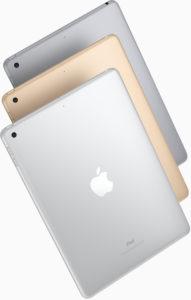 iPads de 9,7 polegadas virados de costas e inclinados