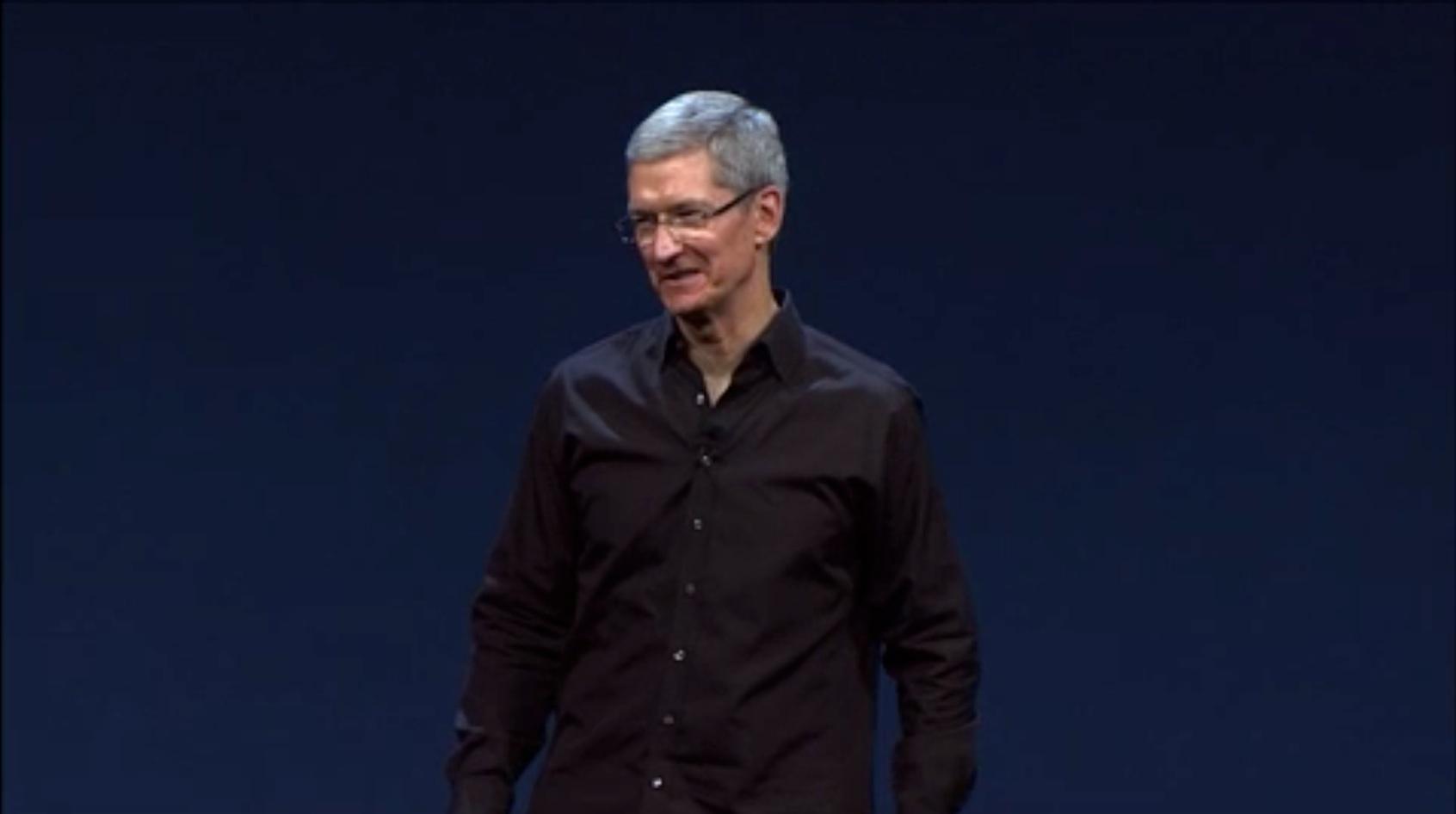 Tim Cook no palco da WWDC 2013