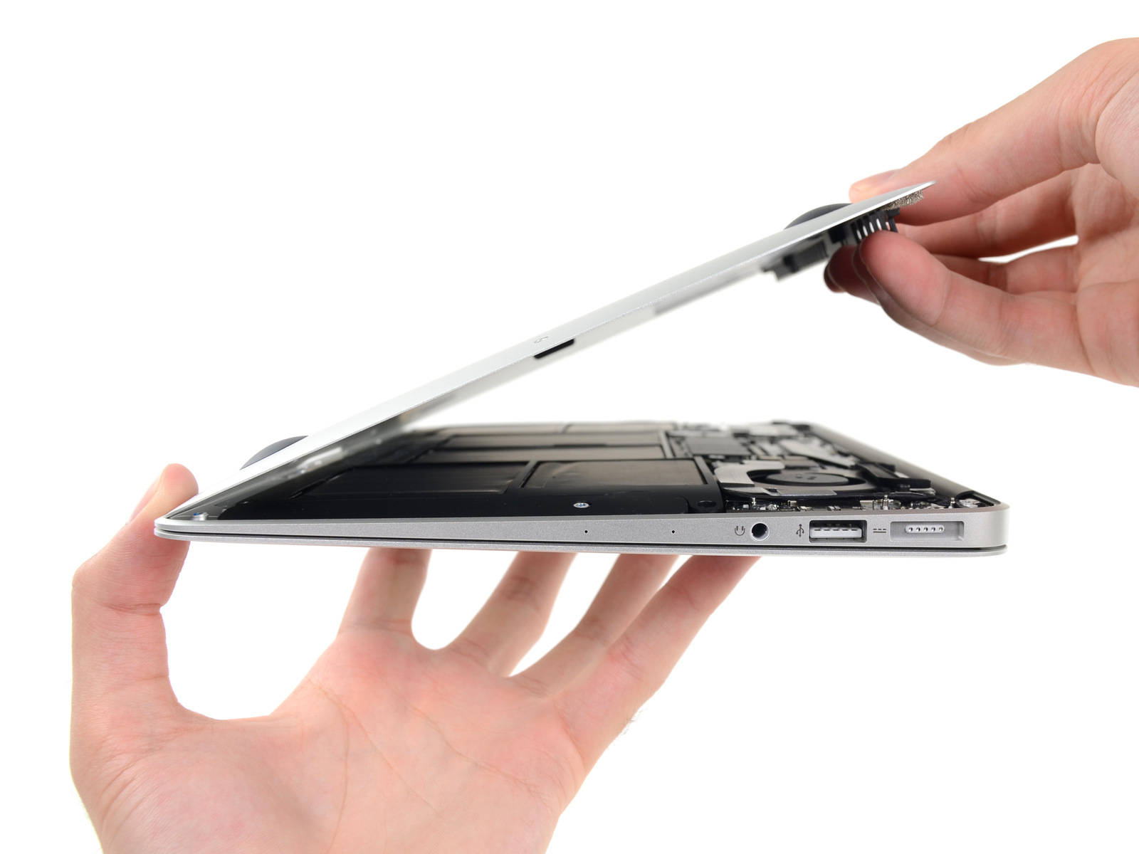 iFixit - Desmontagem do MacBook Air de 11 polegadas