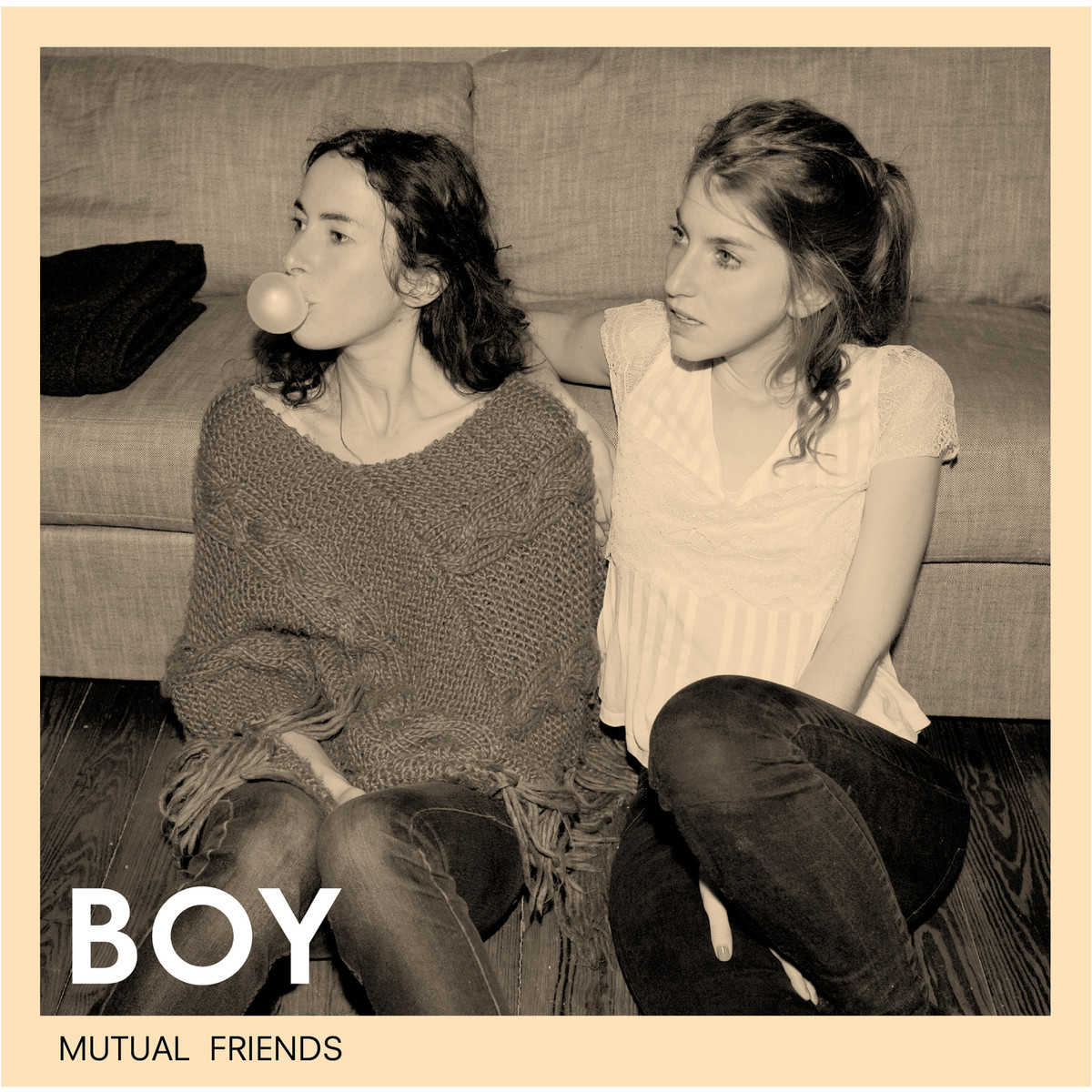 Capa do álbum Mutual Friends, da banda BOY