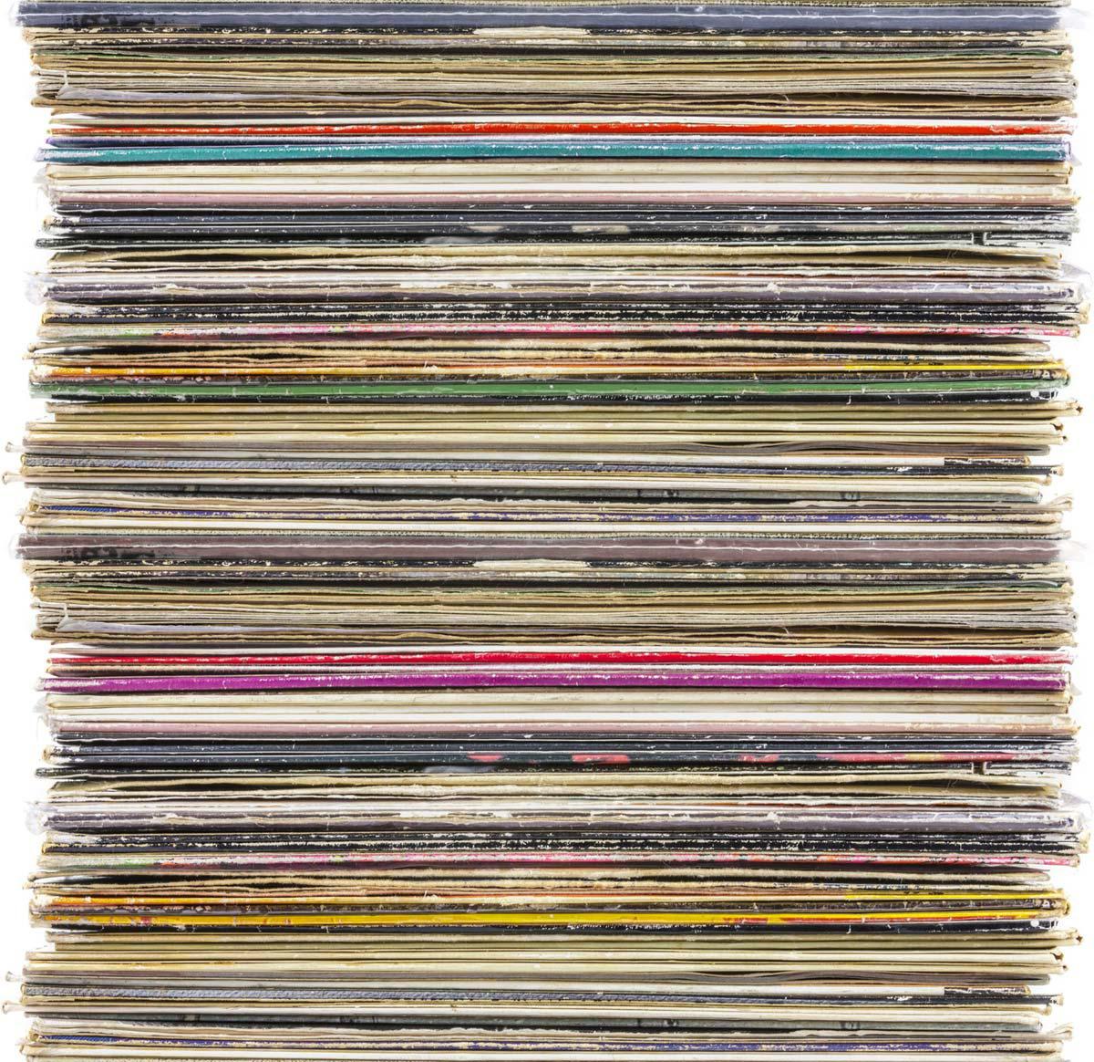 Pilha de vinis (LPs)
