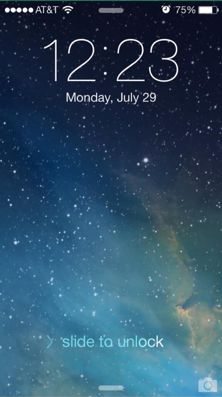 Tela inicial do iOS 7 beta 4 no iPhone