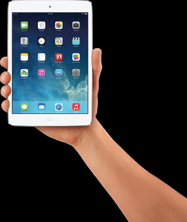 iPad mini branco com o iOS 7 segurado pela mão
