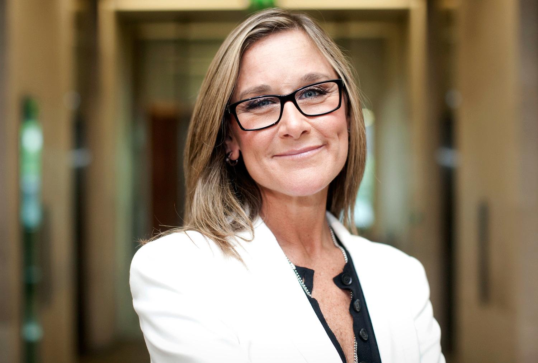 Angela Ahrendts, ex-CEO da Burberry e agora vice-presidente sênior de varejo da Apple