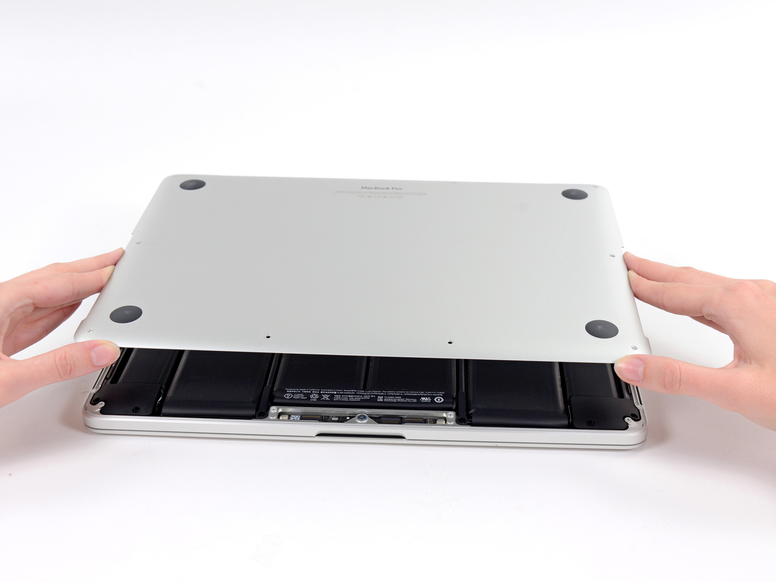 "Desmontagem do MacBook Pro Retina de 13"" - iFixit"
