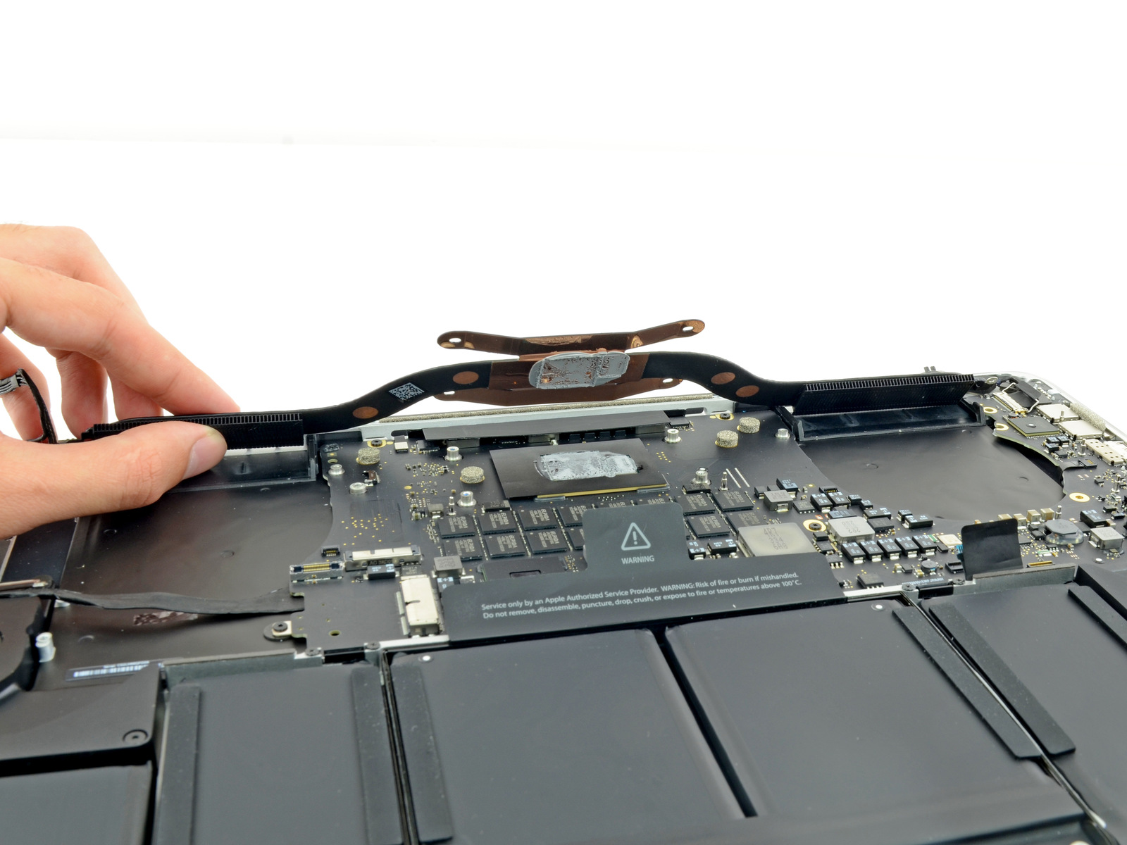 "Desmontagem do MacBook Pro Retina de 15"" - iFixit"