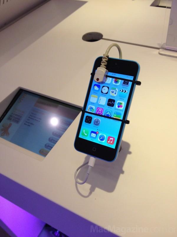 Lançamento dos iPhones 5s e 5c em loja da Vivo