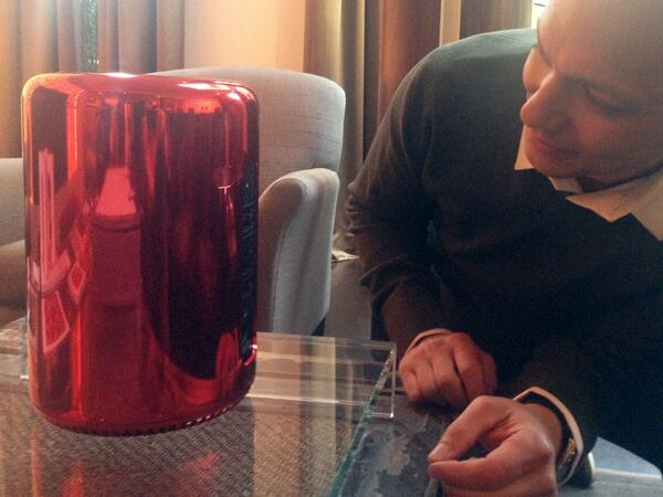 Tony Fadell com Mac Pro (RED)
