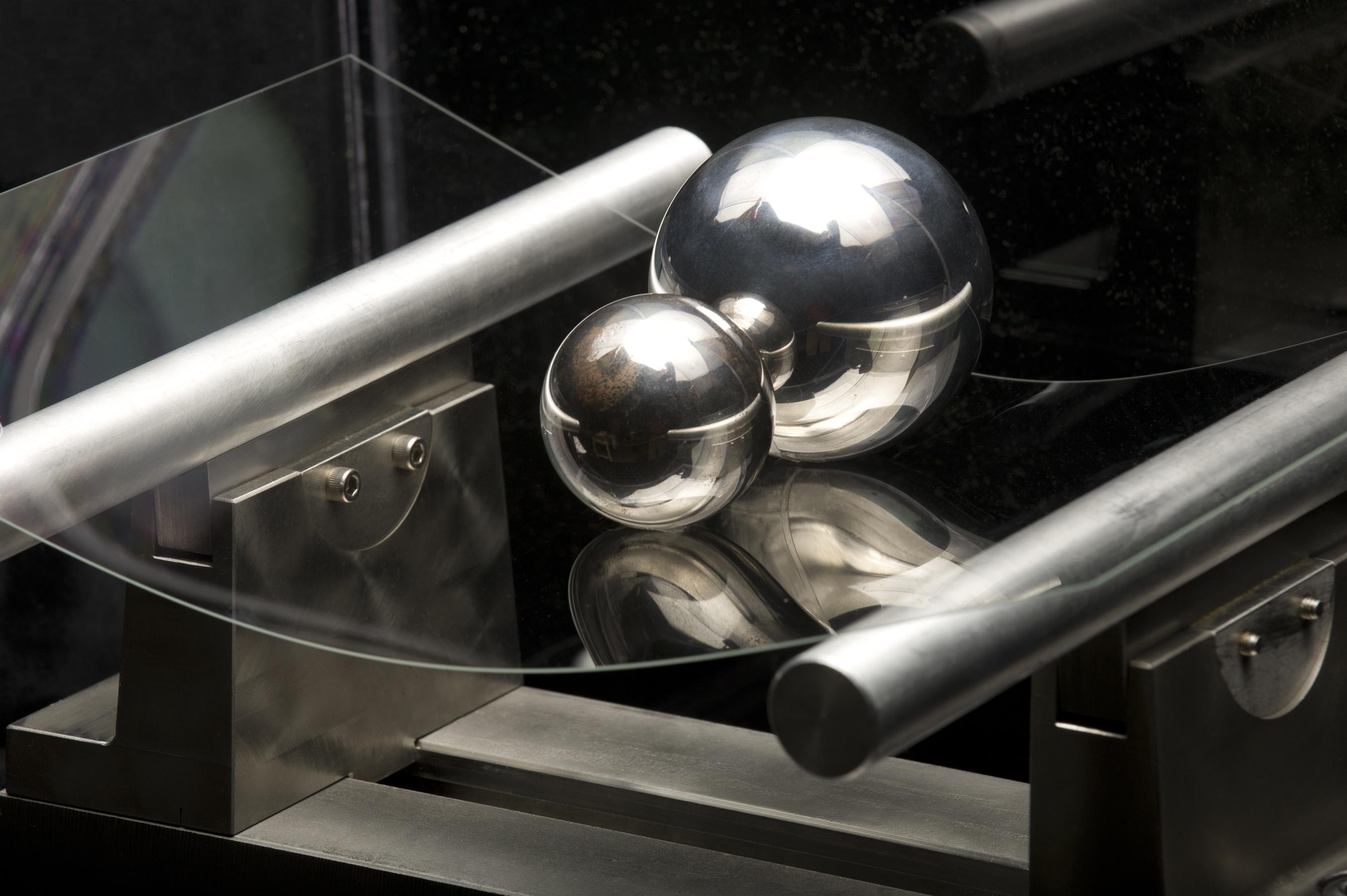 Vidro da Corning sendo testado - Gorilla Glass