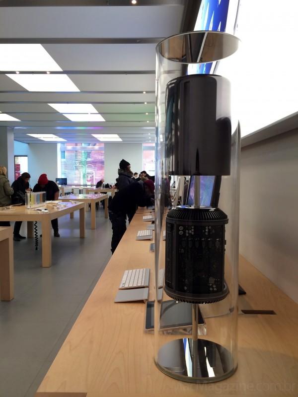 Mac Pro em exposição numa Apple Store