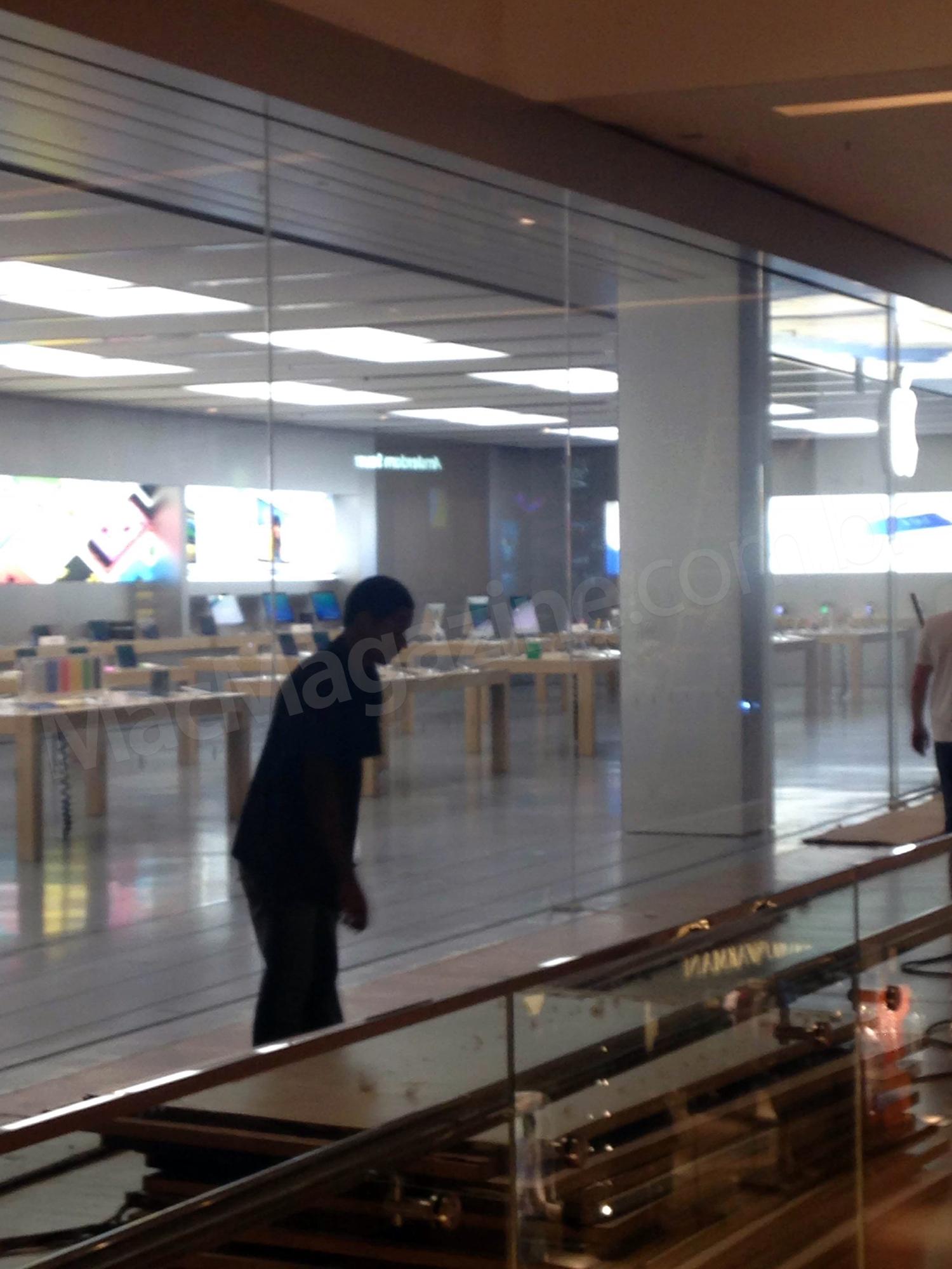 Apple Retail Store - VillageMall começando a ser revelada