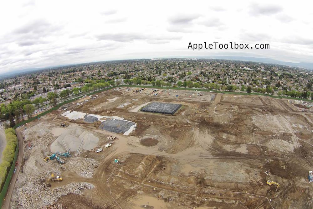 Foto aérea da demolição para o Apple Campus 2