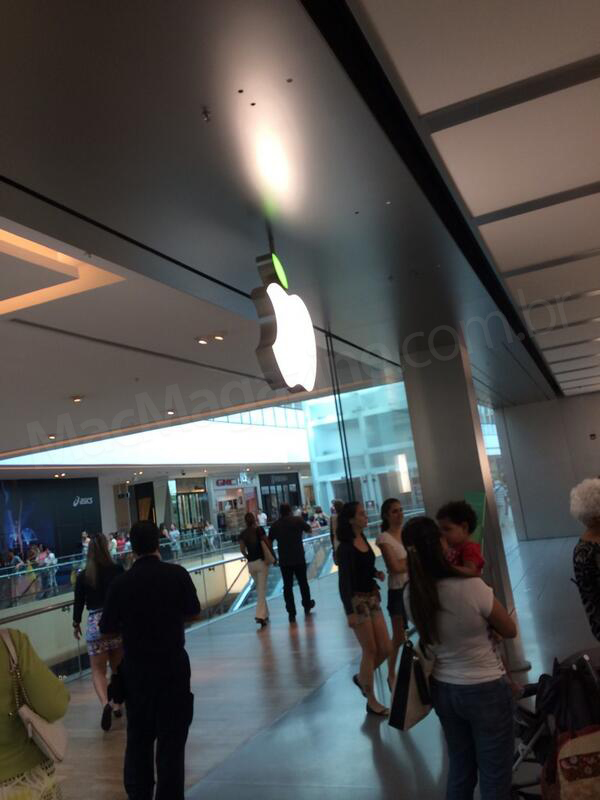 Apple Store - VillageMall em clima de Dia da Terra