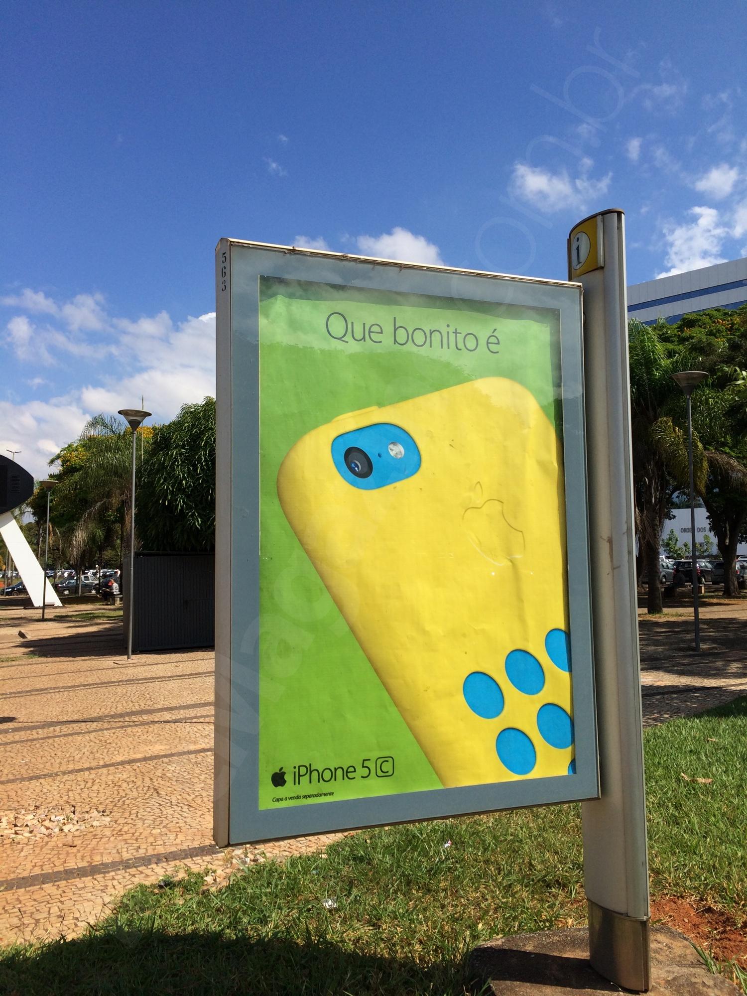 Anúncio do iPhone 5c em Brasília