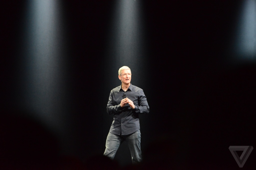 Tim Cook no palco da WWDC 2014