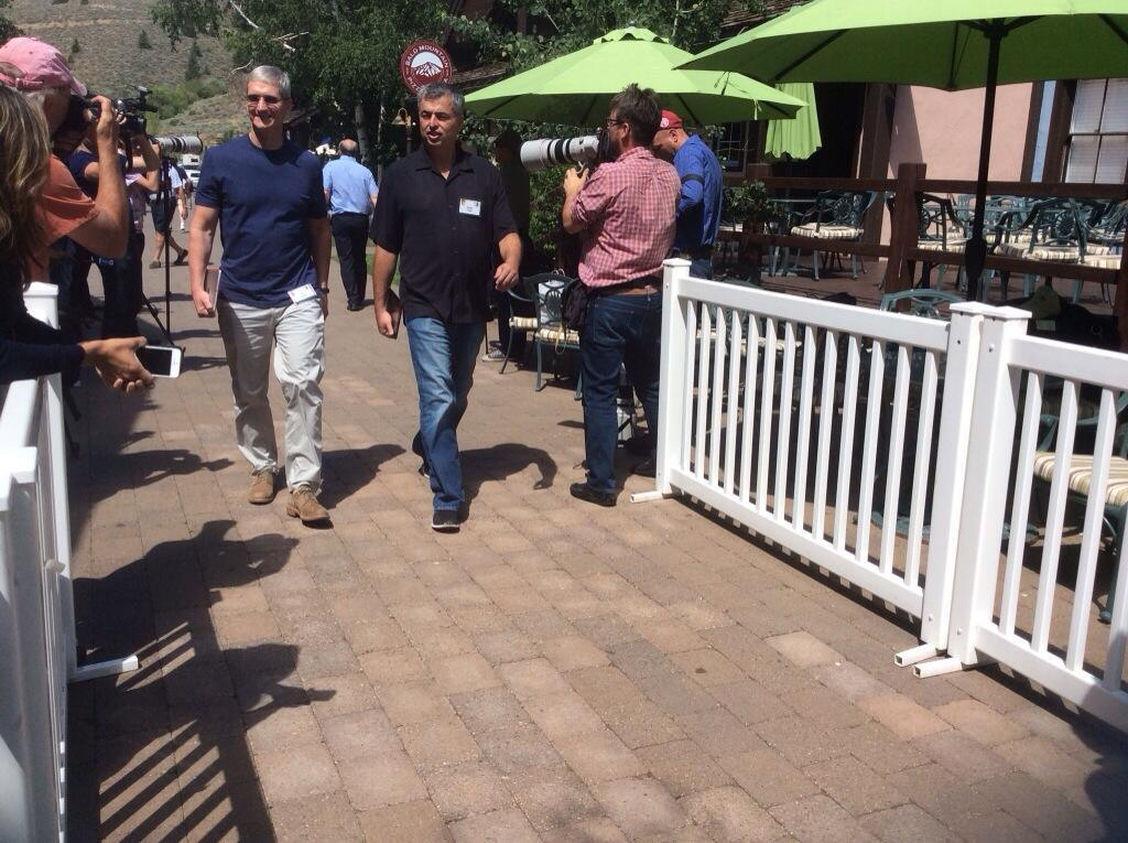 Tim Cook e Eddy Cue na Sun Valley 2014