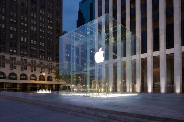 ↪ Apple agora tem a patente que cobre o design do cubo de vidro da sua loja em Nova York