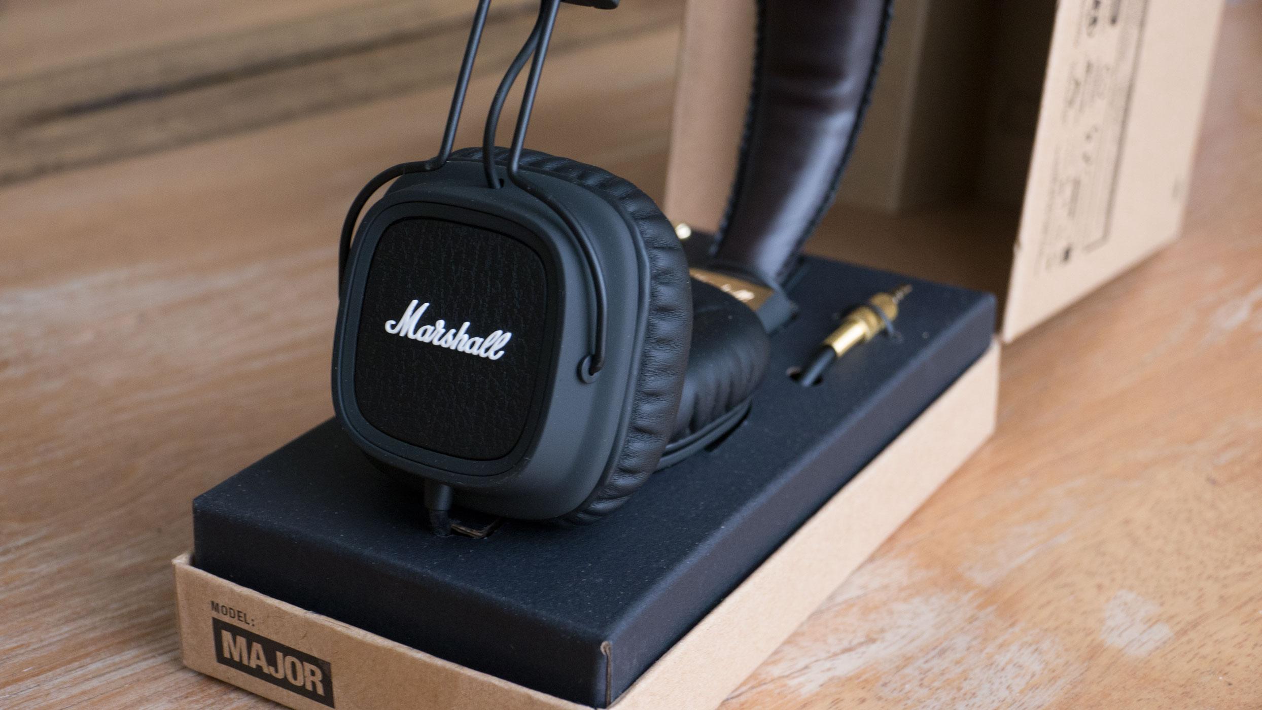 Fones de ouvido da Marshall