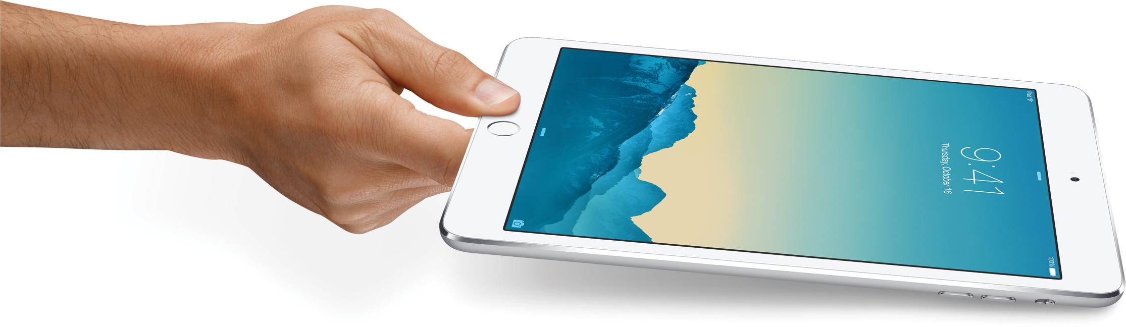 iPad mini 3 de lado, segurado por mão