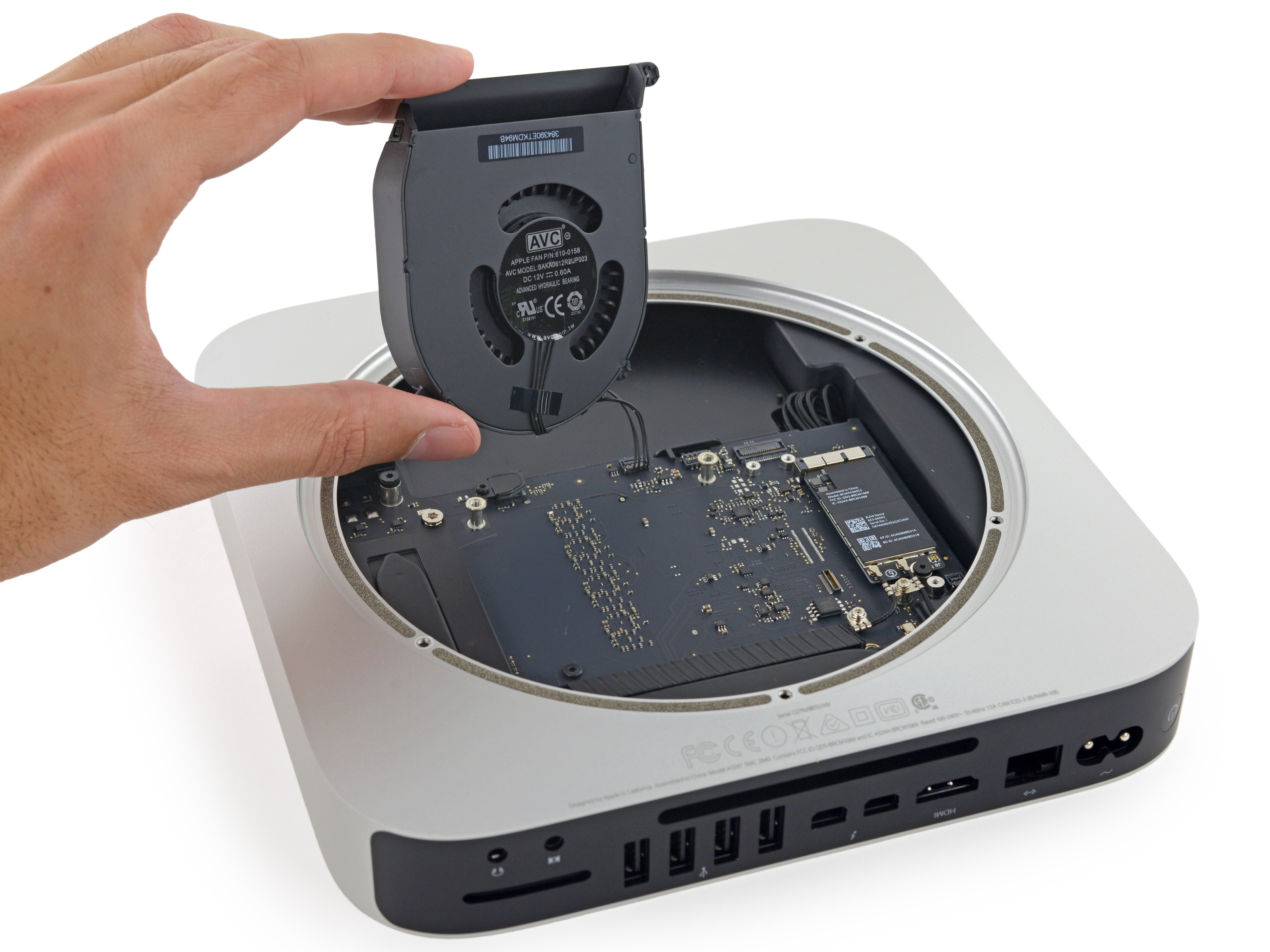 iFixit desmonta o novo Mac mini