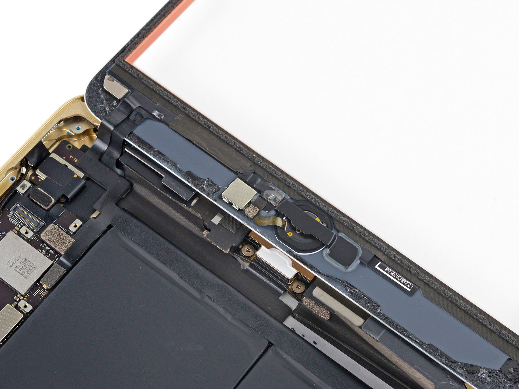 iPad mini 3 desmontado pela iFixit