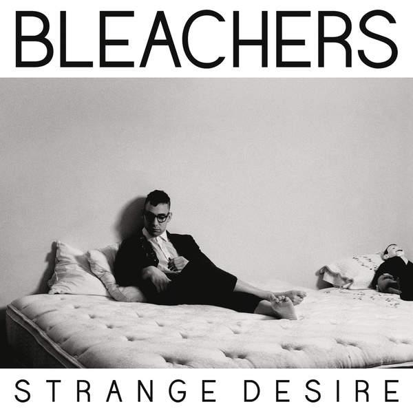 Capa do álbum Strange Desire