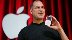 Steve Jobs no lançamento de um dos iPods