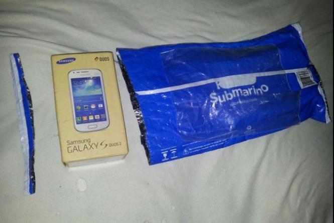 ↪ Consumidores compram iPhones 6 Plus e recebem aparelhos da… Samsung! | MacMagazine.com.br
