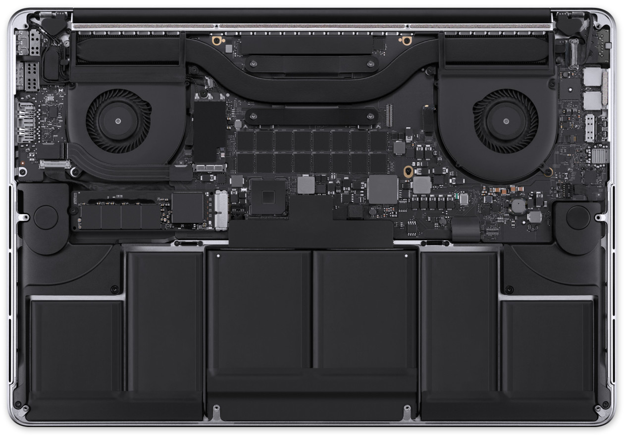 MacBook Pro com tela Retina aberto
