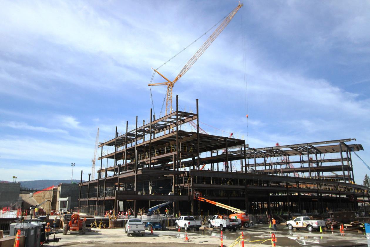 Obras no Apple Campus 2