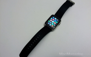 Apple Watch 42mm com pulseira de fecho clássico