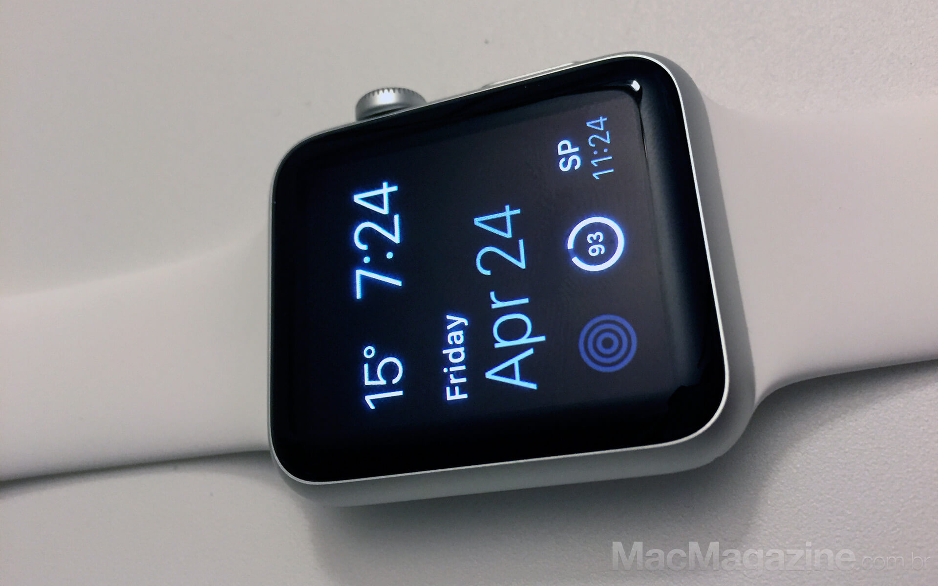 Apple Watch Sport com pulseira Sport branca