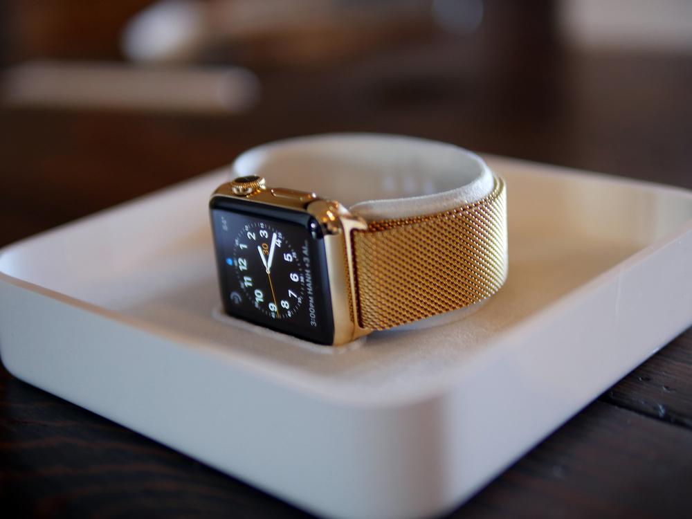 Apple Watch banhado a ouro