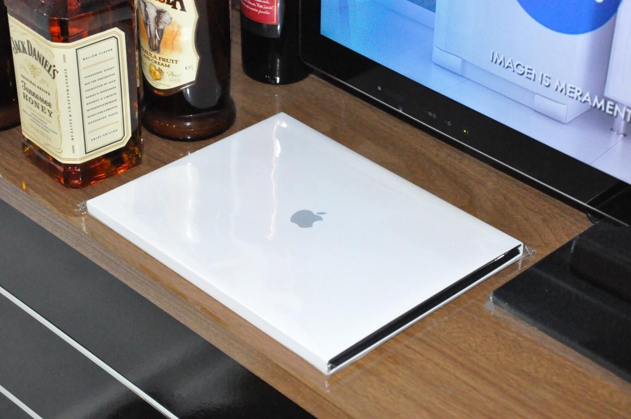 Sabe aquele álbum de fotos impresso da Apple? Pois agora você pode encomendar um desses pela SkyBOX! | MacMagazine.com.br