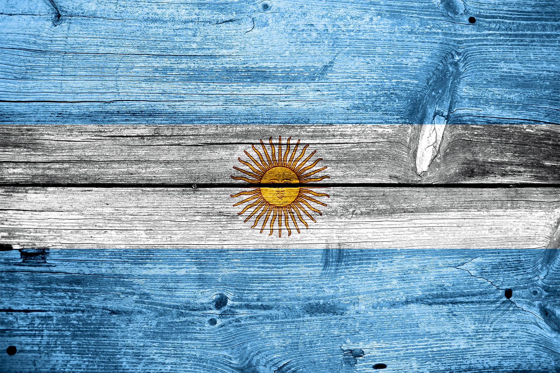 Bandeira da Argentina pintada em madeira