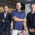 Executivos da Apple - Jonathan Ive, Alan Dye e Richard Howart