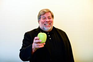 Steve Wozniak com uma maçã